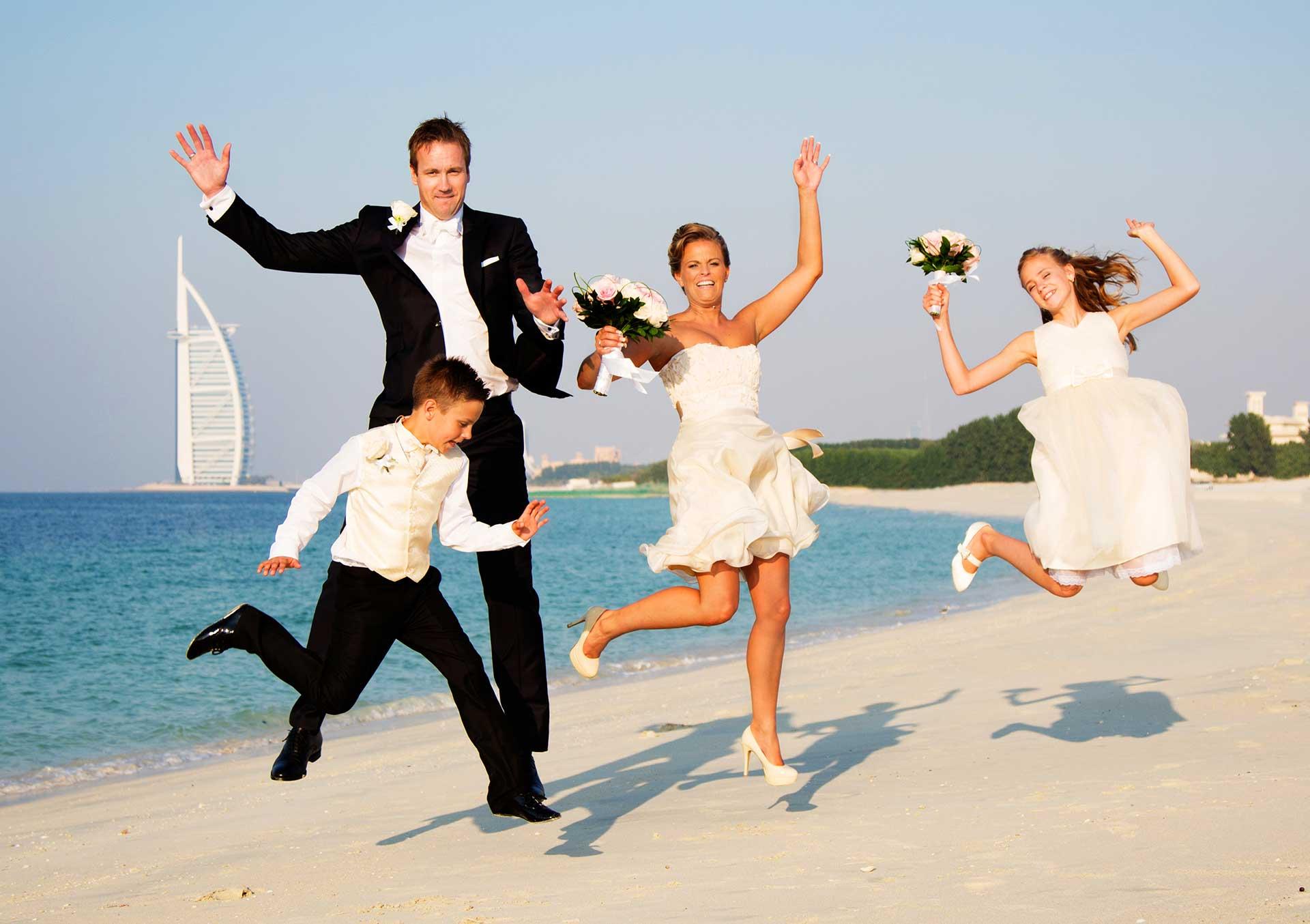 Bröllopsfotografering bröllopet Bröllopsfotografering Dubai Svenskt par gifta sig utomlands bröllopsfotograf helen shippey