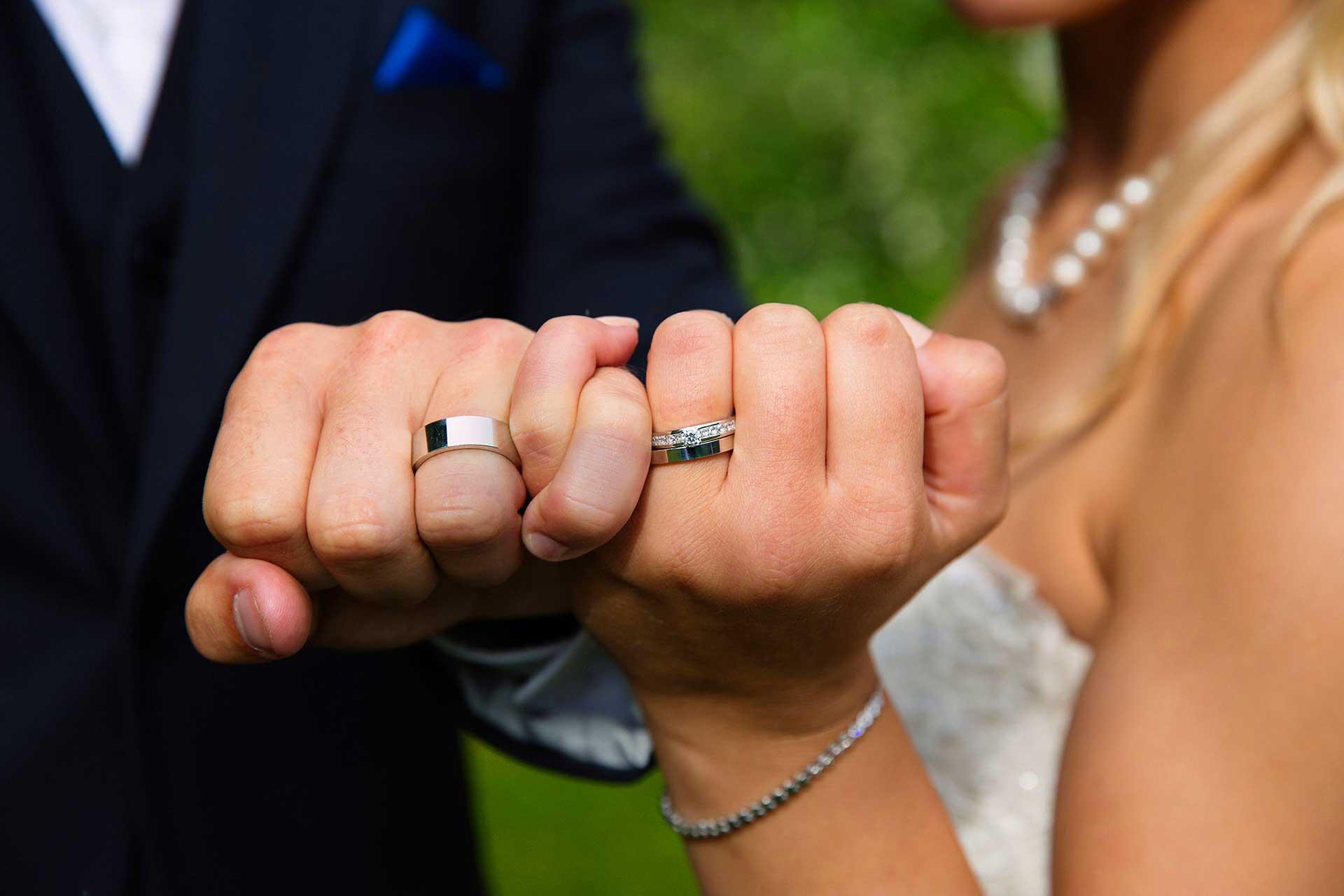 Bröllopsfotografering bröllopet Vigselfotograf Helen Shippey bröllop fotograf Västerås Örebro Köping Stockholm